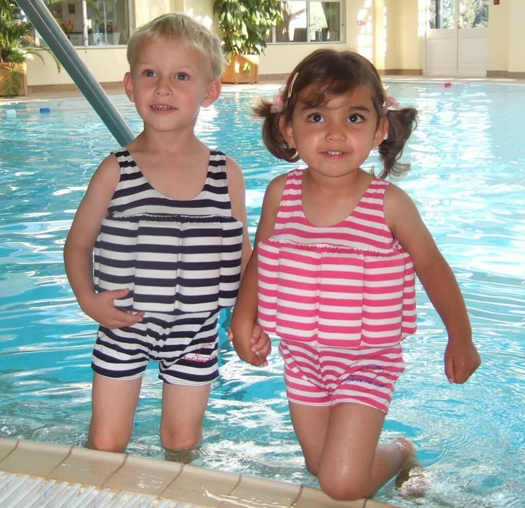 Schwimmanzug mit verschiedenen Motiven